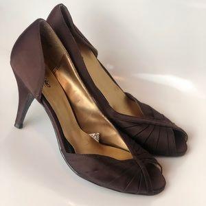 Vintage style Mossimo heels